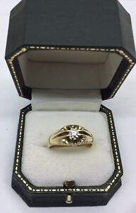 Top Quality 18ct Gold Diamond Gents Gypsy Solitaire Ring. Fabulous Condition
