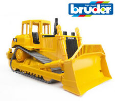 Bruder Spielsachen 02422 Cat Bulldozer Raupe Verfolgt Dozer mit Ripper Rake 1:16