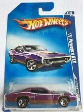 Hot Wheels '71 Plymouth GTX Muscle Mania 2009 Scale 1:64 Purple NEW