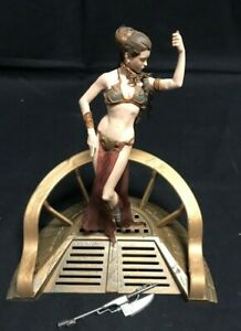 2002 Hasbro Toy Princess Leia Star Wars Slave Statue JW256