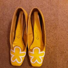 Vintage 60-70's Mod 1 inch Heel Shoes Size 7 Cute for Decor!