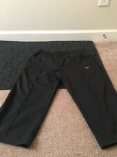 NIKE Adult Active Capri Pants Sz M Black Clothes