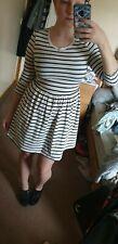 Forever 21 Womens 3/4 Sleeved Black And White Dress Skater Short Zip Back Size M