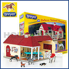 NEW BREYER DELUXE ANIMAL HORSE HOSPITAL w ANIMALS ACCESSORIES 1:32 STABLEMATES