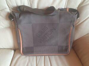 Mens Louis Vuitton Grey Large Messenger Bag 100% Genuine