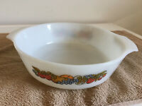 """Vtg Anchor Hocking Fire King 9"""" Nature's Bounty oven proof casserole dish # 23"""