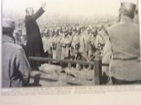 m17c8 ephemera ww1 picture priest blesses the french fallen at the front