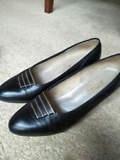 FOOTREST black shoes with decorative buckle gold detail low heel  7 ½ C