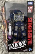 Transformers Siege War for Cybertron Soundwave WFC-S25 Takara Tomy Voyager Class