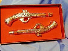 "Vintage Avon ""Twenty Paces"" Men's Cologne Dueling Pistols in Original Box"