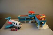 Vtg. Fisher Price 1972 Airport Set 966 W/ Helicopter, Airplane, 3 Little People