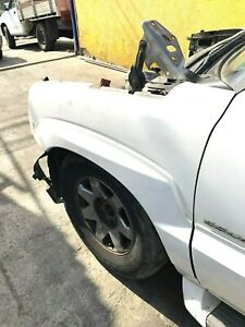 OEM  02 03 04 05 06 Cadillac Escalade EXT Front Fender left Driver Side
