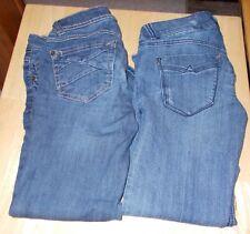 Candie's Womens Junior Capris Size 0 lot of 2 Denim
