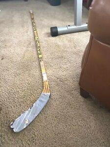 Jeremy Roenick Chicago Blackhawks Signed Easton Aluminum Game Used Stick