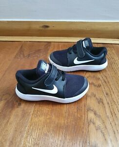 Boys Nike Flex Contact Trainers Size 9.5