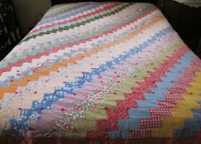 "Antique Patchwork Quilt ZIG ZAG Pattern 78""W x 89""L Machine Sewn Pre-Owned"