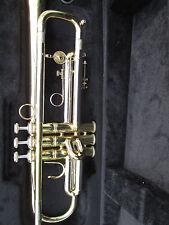 Holton trumpet ST 302 MF HORN with Schilke mouthpiece Wolfpak case