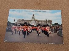 Victoria Memorial Buckingham palace & Guards London posted 1960  xc1