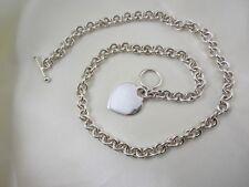 Handgearbeitetes Collier aus Sterlingsilber mit Herzanhänger & Knebelverschluss