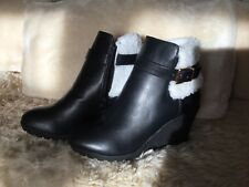 Women's black ankle boots with feux fur size 5 select