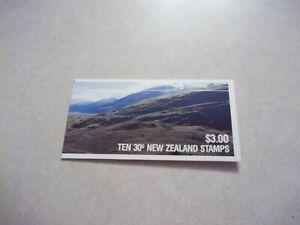 New Zealand STAMPS Scott 766 BOOKLET of 10 30c BIRDS OG Never Hinged