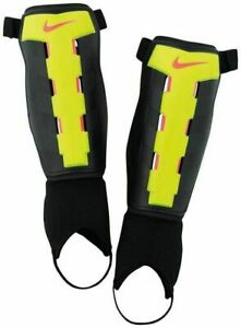 """Nike Charge Shin Pads Size Small 4ft 11"""" - 5ft 3"""" Youth Kids Boys"""