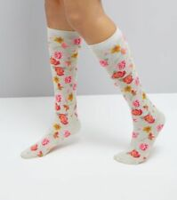 SA002830 Green With Red Woven Roses Ankle High Socks
