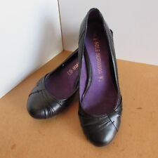 Next Sole Survivor Black leather Court shoes size 7