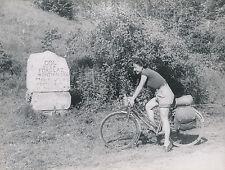 COL DE LA FORCLAZ c. 1948 -  Femme Vélo Randonnée  Haute-Savoie - DIV 7483