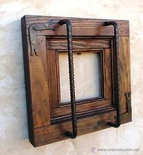 ventanuco rustico de madera con rejas forjadas, medida 35 x 35 cm