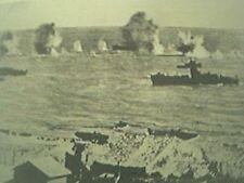 ww2 world war two magazine picture - landing craft at gela sicily