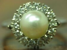 18kt 750 White Gold Ring with Akoya Pearl & 0,56ct Brilliant Trim/ 8,3g/ Rg 52