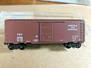 2003 Microtrains 20606 Norfolk and Western 40' single door boxcar, NIB