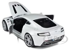 ASTON MARTIN VANTAGE V12 PEARL WHITE 1/24 DIECAST MODEL CAR BY MOTORMAX 73357