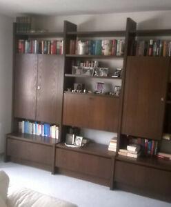 Schrankwand, Wohnzimmerschrank. Stollenwand, Bücherwand, Schrank, dunkle Eiche