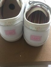 UGG Filles Brillant. Blanc Baskets/Sneakers UK 2 NEW BOXED Authentique