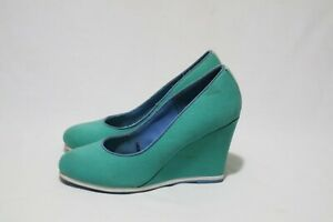 Size 8 Vintage/Retro Womens Turquoise Wedge Shoe