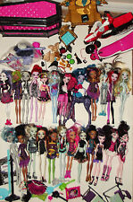 Huge Lot! 24 Monster High Dolls + Furniture Clothing Shoes Accessories +