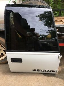 CHEVY TAHOE REAR BARN DOOR PASSENGER SIDE 1999
