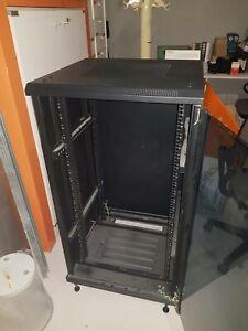 Rack dati armadio a pavimento