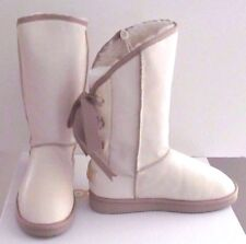 Moov Culture Moov Boots Leather & Sheepskin  Size: 8 $490.
