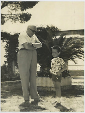 Italia, Pietro Nenni a Formia con il nipotino più picolo  Vintage silver print