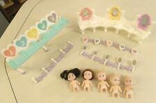 1990 TYCO QUINTS MIXED LOT: DOLLS, HI-CHAIR, VANITY, ACCESSORIES