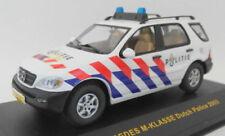 Voitures, camions et fourgons miniatures blancs IXO pour Mercedes