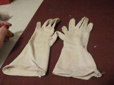 Vintage Pair Of Ladies Dress Gloves Beige J.C.Penny Brand Size 6 1/2-8
