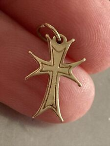 9 Ct Yellow Gold Cross, Charm Or Pendant, Solid, 0.7 g, Not Scrap, G Con