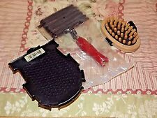 New Lot of (3) Ast'd Grooming Items Metal Curry Grooming wash Glove