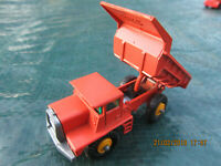 Matchbox1-75No28d MackDumpTruck1968All OrangeRareYellWheels,good box[now red25%]