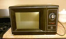 How do you troubleshoot an Amana Radarange microwave?