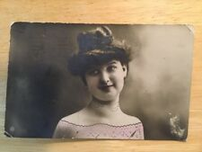 POSTCARD USED LEVELEZO LAP.BRIEFKAART ORIGINAL VINTAGE YOUNG LADY WITH HAT